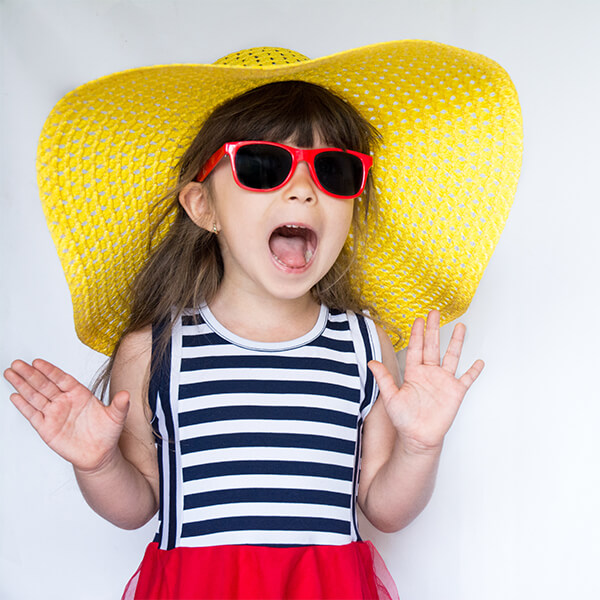 Γιατί τα παιδιά πρέπει να φορούν γυαλιά ηλίου