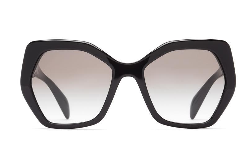 γεωμετρικά γυαλιά ως κύριο σημείο αναφοράς για το 2021